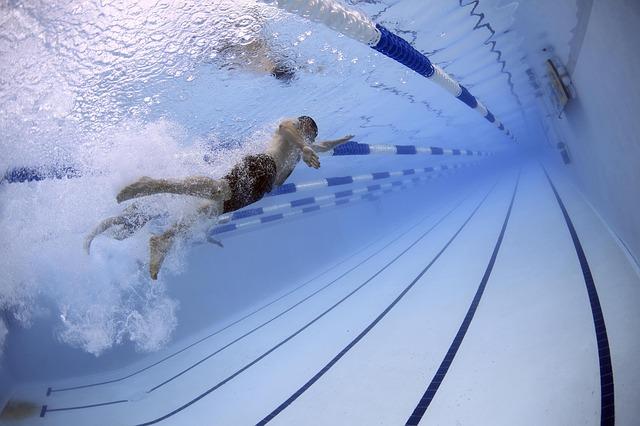 plavec pod vodou