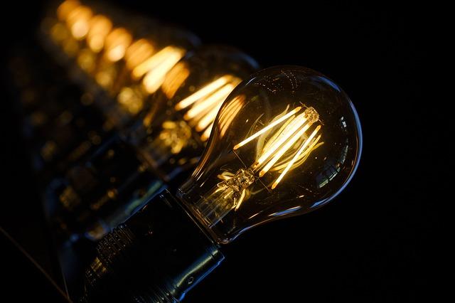 světlo žárovek.jpg