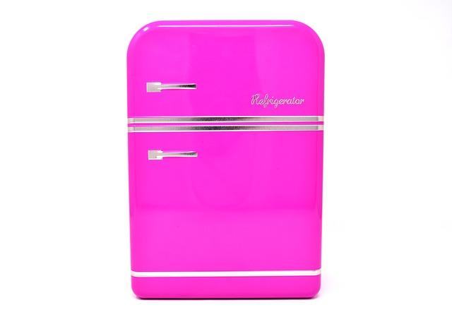 růžová lednička