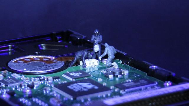 figurky zlodějů na HDD